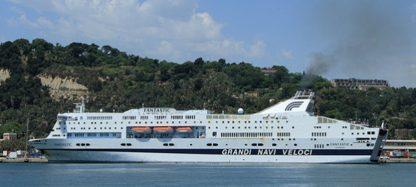 Traghetti Grandi Navi Veloci - Rotte, Navi e offerte